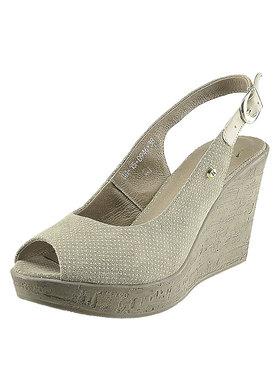 Sandálky na klínu Karino 0946-001-P