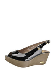 Lakované sandálky Karino