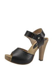 Kožené sandálky Karino