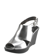 Metalízové sandálky Karino