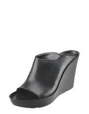 Sandálky na klínu Bronx