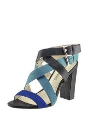 Sandály na hrubém podpatku Buffalo