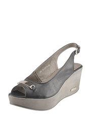 Sandály na klínu Karino