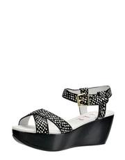 Sandálky na platformě Elle