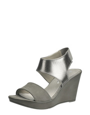 Sandálky na klínu Karino
